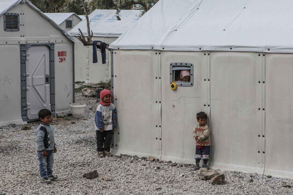 Landeskirchen rufen zur Unterstützung von Flüchtlingen auf