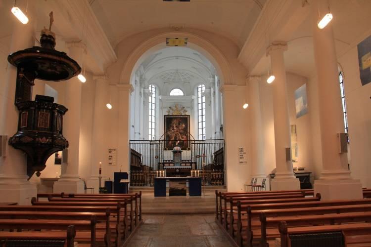 Solothurn Kirche Innenansicht