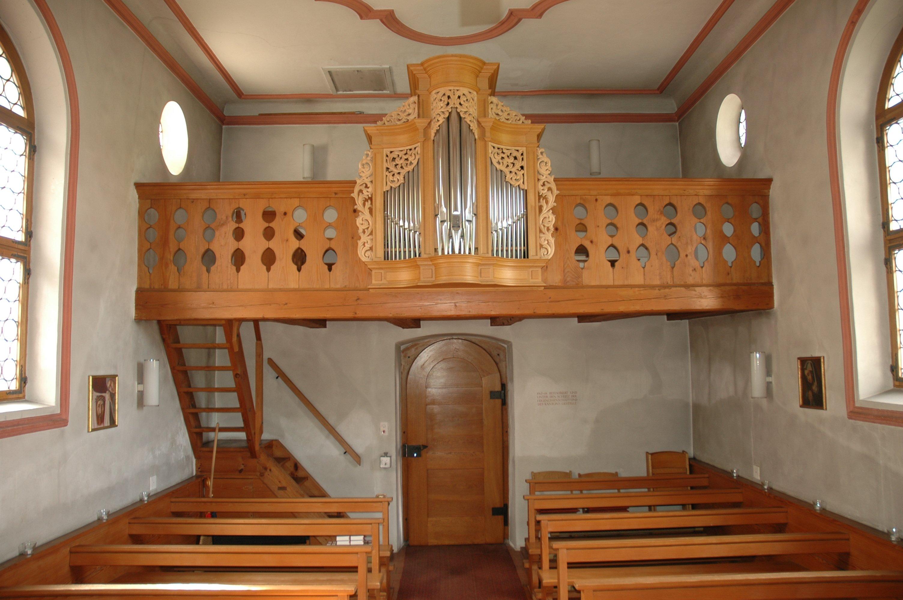 Chäppeli Blick auf Orgel