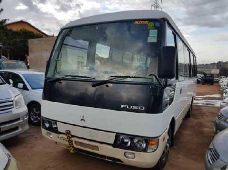 Schulbus für Kanoni - wo die Schulwege viel zu weit und gefährlich sind